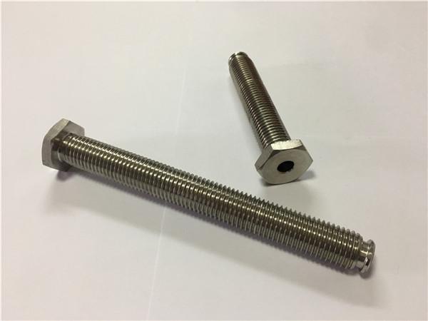 Ang mga tighatod sa titanum nga nagbaligya sa ti6al4v gr5 titanium wheel bolt o uban pang hardware